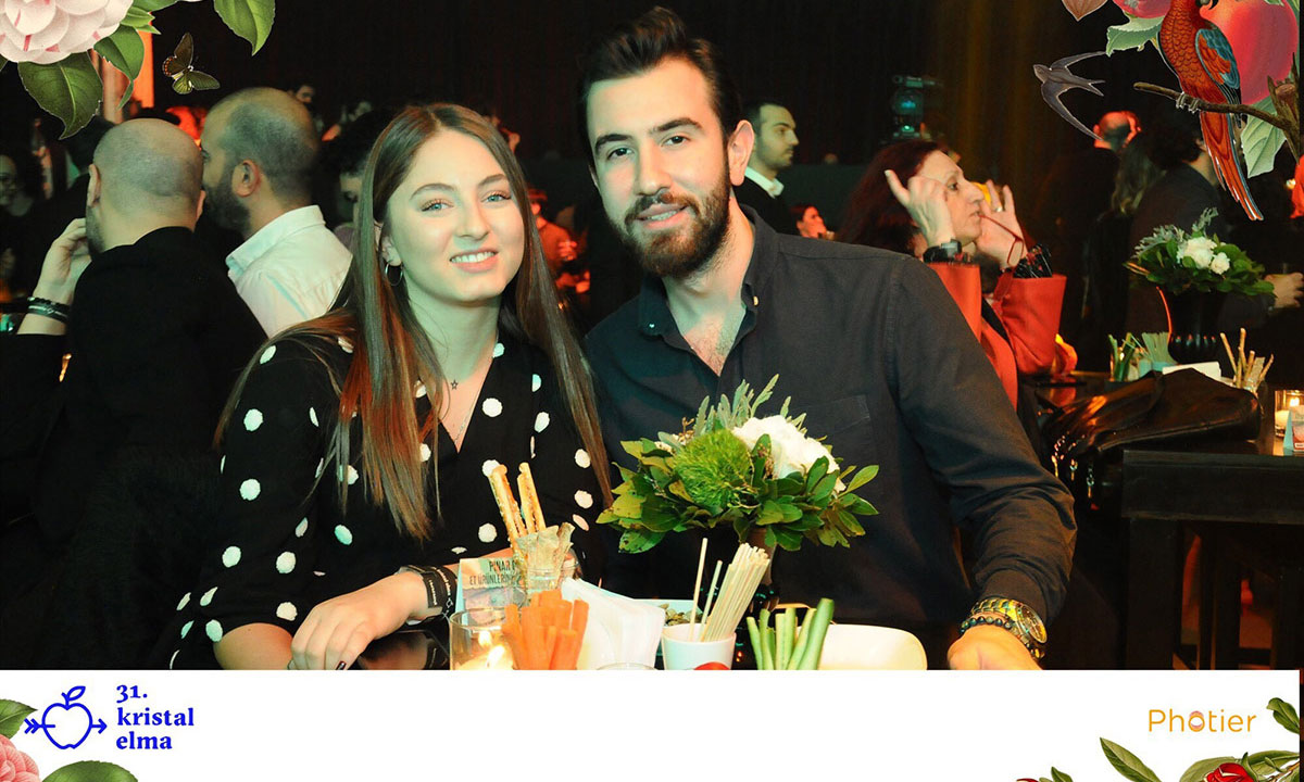 BİLGİ Advertising Students Deniz Erhan and Mevlüt Karakuş received Crystal Apple Award